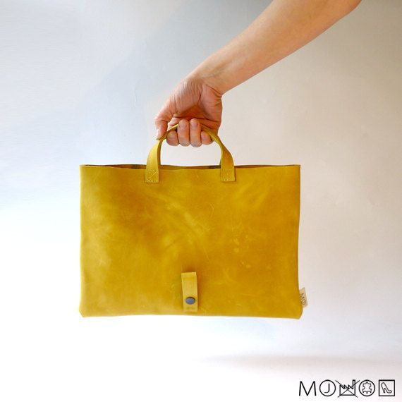 Gevouwen Clutch / Handtas - verweerd geel leer