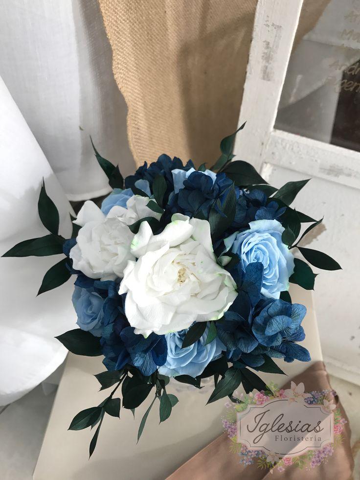 Precioso ramo en tonos azules preservado #novias2017 #decoracion #wedding #ramosdenovia #florespreservadas #hortensiaspreservadas #boda #bodas2017 #iglesiasfloristeria