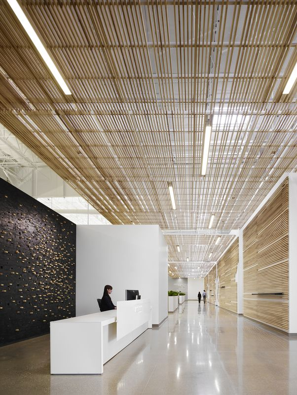 Top 25+ best Office building lobby ideas on Pinterest   Reception ...