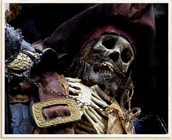 skeleton of a captured pirate (Canada) from the Oak Island Money Pit off the SE coast of Nova Scotia, it is said it might be Captain Kidd's or Blackbeards treasure