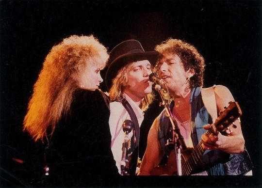 Stevie onstage with Tom Petty and Bob Dylan in Sydney - February, 1986. | Tom petty in 2019 | Tom petty, Stevie nicks lindsey buckingham, Stevie nicks fleetwood mac
