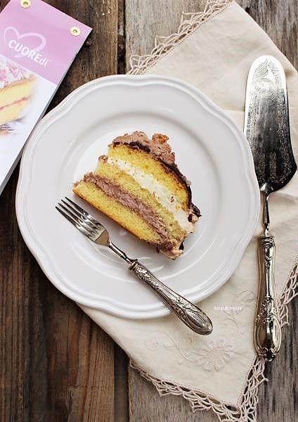 La torta per il compleanno di mamma era buonissima: farcita con tanta crema golosa e ricoperta di glassa al cioccolato, caramello ed amaretti, è stata molto apprezzata da grandi e bambini ma soprattutto dalla festeggiata. Sono i suoi gusti preferiti ed io, in questaRead More