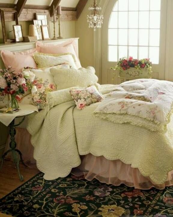 Country can be pretty too! We love the layered bedspreads in this cosy bedroom. #hotlooks