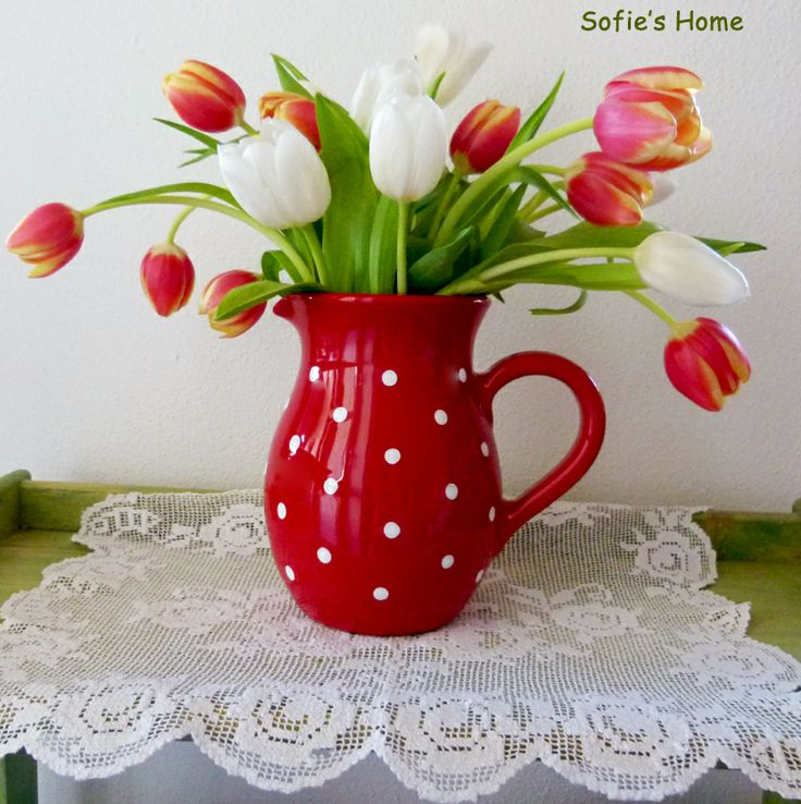 Red polka dot jag / pitcher with handpainted and 100% handmade from Sofie's Home