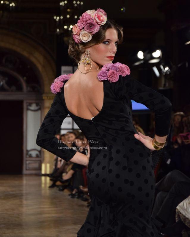 5 estilismos de flamenca que no copiarás y 7 que amarás #ModaFlamenca por Claudia Alfaro by Entre Cirios y Volantes