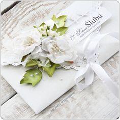 Papiery GP: wiek niewinności  i ulubiony zielony ;)   małe kwiatuszki (zawilce) z Rapakivi   dekoracyjna taśma