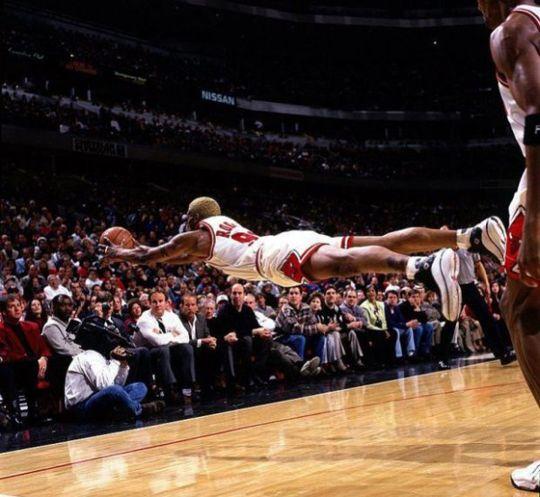 Perfectly timed photos!Basketball, Games, Sports Photography, Perfect Time Photos, Sports Photos, Nba, Chicago Bull, Dennis Rodman, Dennisrodman