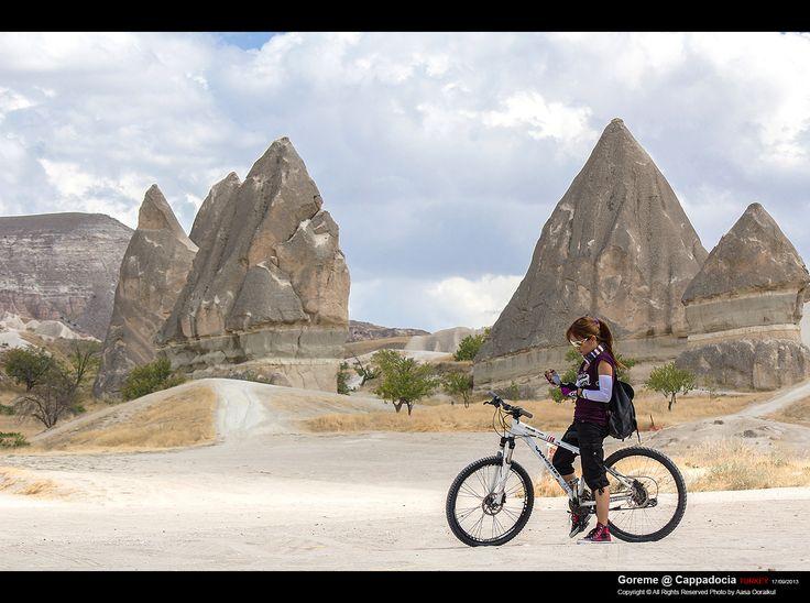 Rides a bike. @ Cappadocia/Turkey