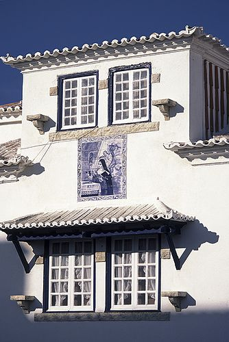 Lovely details from a charming house in Ericeira, a fishermen village, now very famouse for its beaches and surfing facilities #Portugal #Ericeira