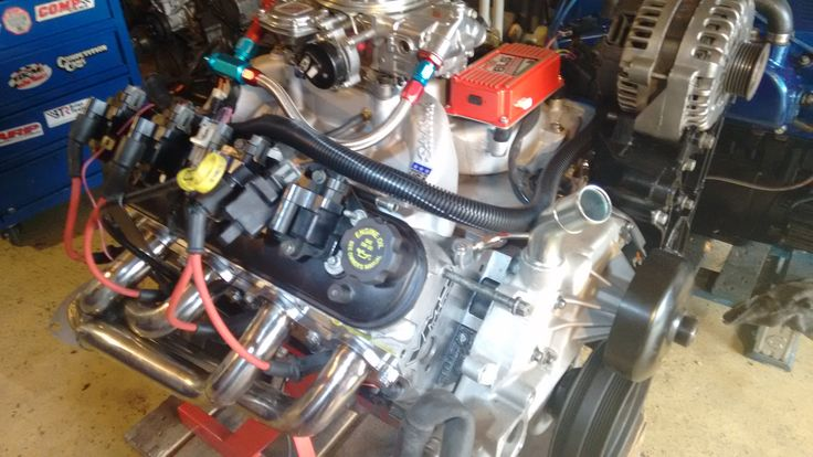 Chevy  LS engine with carburetor system,build by hps.tienda. Powered by Tomas Hps