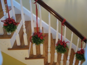 1000 images about christmas stair rails and banisters - Christmas decorations for stair rail ...