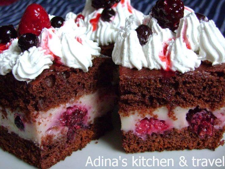 Adina's kitchen & travel: Prajitura cu crema de vanilie si fructe de padure