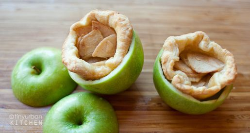 Inside Out Apple Pie - aka Apple Pies in a Half-Shell - apple power! (sorry, geek moment there...) - basically, little apple pies/tarts nested inside scooped-out, uncooked apples; the crunchy apple shell makes these portable for handheld eating!Pies Tarts Cheesecake, Apples Pies, Apples Baking, Cake Pies Bar Muffins Sweets, Sweets Things, Inside Out Apples, Insideout Apples, Urban Kitchens, Apple Pies