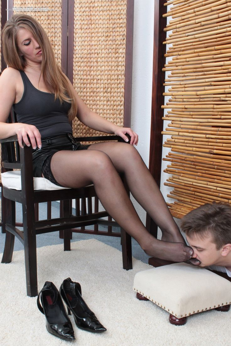 Mistress thoroughly dominates her male slave 3