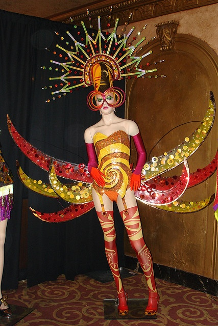 "Cirque du Soleil's ""Banana Shpeel"" Open House by christiNYCa, via Flickr"