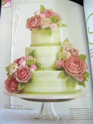 Gorgeous Sylvia Weinstock Cake- she is the Monet of wedding cake bakers!