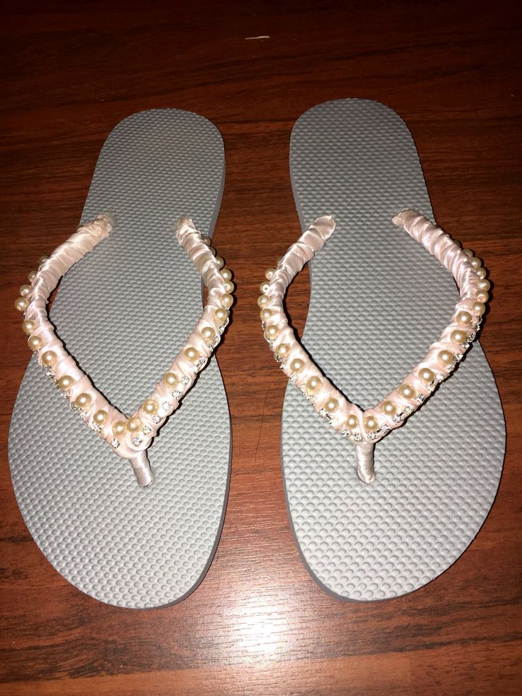 Bries sandals for the wedding. Blush pink pearls, ribbon and crystals. Silver flip flops.