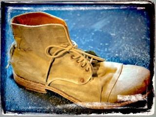 Sommerschuhe von Shoto aus Italien.    Die Schuhe sind aus Baumwoll-Canvas von außen - Innen Leder gefüttert und dann komplett wie eine Jeans gewaschen.    Bischen Shabby - aber sehr cool