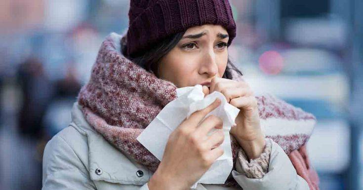 Tal vez su madre le decia que no saliera al frío para que no se enfermara; resulta que ella sabía lo que los investigadores ahora están descubriendo: el clima tiene algo que ver con si se enferma o no.
