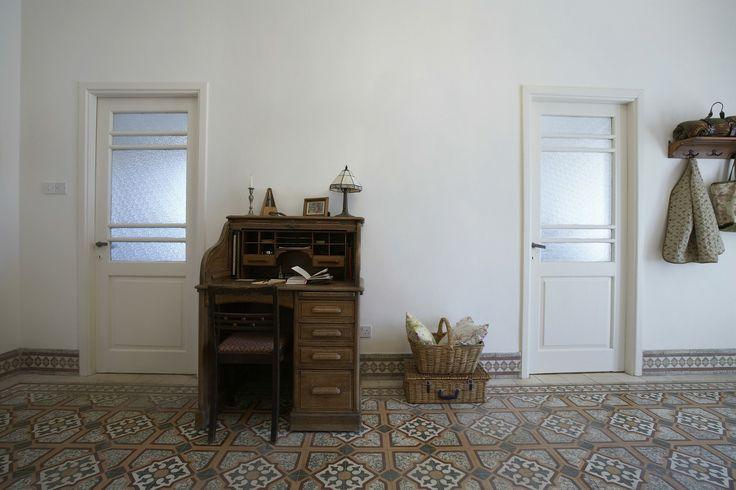 bigstock-Interior-of-home-office-in-488788342