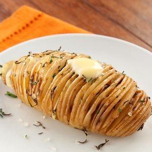 A Bunge Brasil separou quatro deliciosas receitas com batatas para o final de semana: batatas recheadas, batatas suecas, purê de batatas rústicos com alho assado e crespinhos de batata.