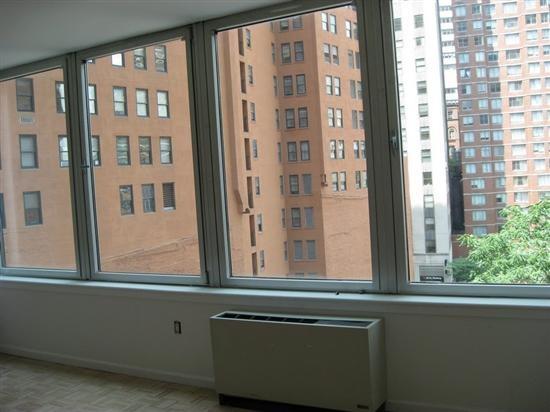 https://i.pinimg.com/736x/cb/09/3c/cb093c7a7f3e027cd11280e889428e35--water-apartments.jpg