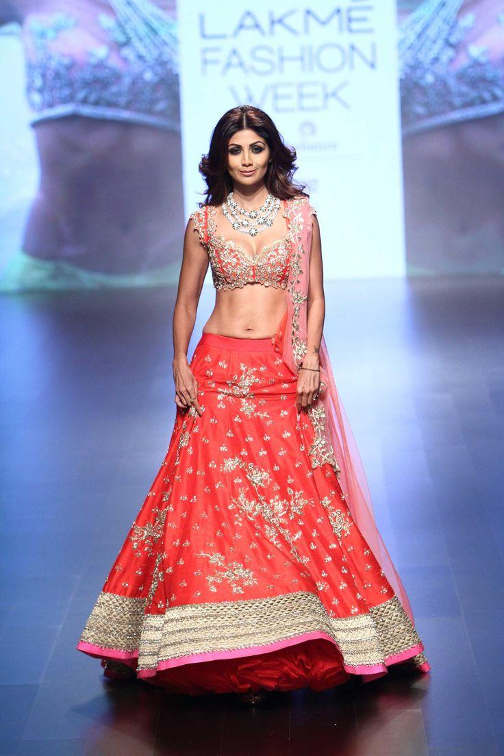 Anushree Reddy at Lakmé Fashion Week winter/festive 2016