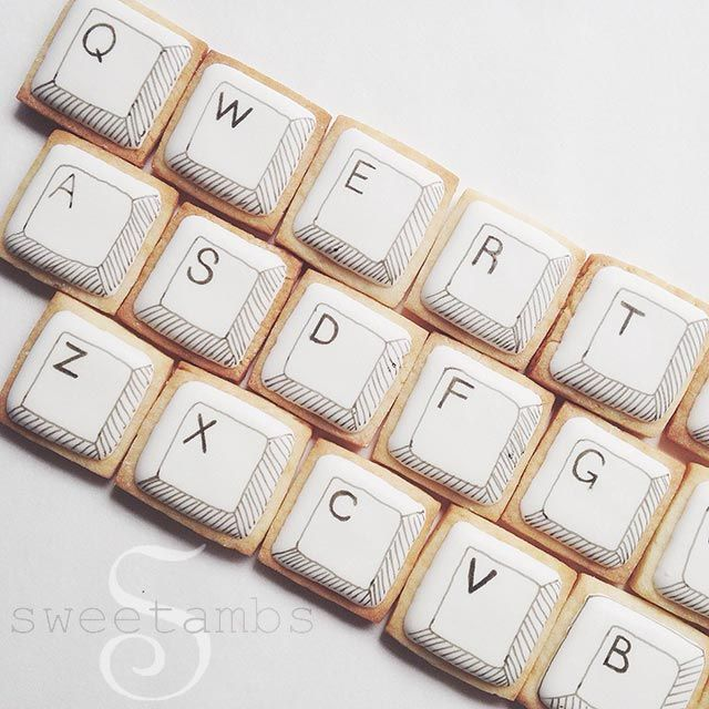 A few weeks ago, I was asked to participate in an ad campaign for Squarespace. Rather than just talking about their website building service and tacking it at the beginning of my tutorial, I decided to use the cookies as props! These computer keyboar