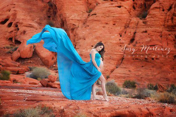 Magnífico gasa vestido de maternidad con yardas y yardas de fluir material de esa mirada de viento soplado! Apertura frontal para lucir su