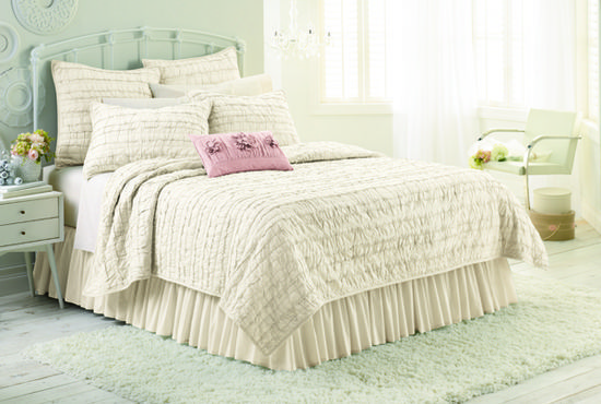 Chic Peek: Introducing My Kohls Bedding | http://my-home-decor-photos.blogspot.com