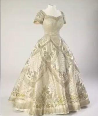 N e e d l e p r i n t: The Queen's Coronation 1953 * Buckingham Palace * Until 29 September 2013