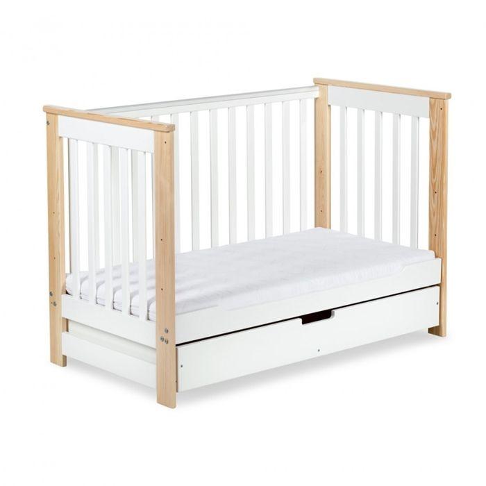 Cudne łóżeczko IWO z funkcją tapczanika. Dostępne również w kolorze białym. Dzięki funkcji tapczanika łóżeczko posłuży maluszkowi aż do 4-5 lat.