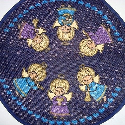 Retro Christmas danish textile napkin from INKA PRINT - 1970es. Material is jute.   #retro #danish #christmas #textile #1970 #danskjul #tekstil #juleserviet #inkaprint SOLGT/SOLD on www.TRENDYenser.com