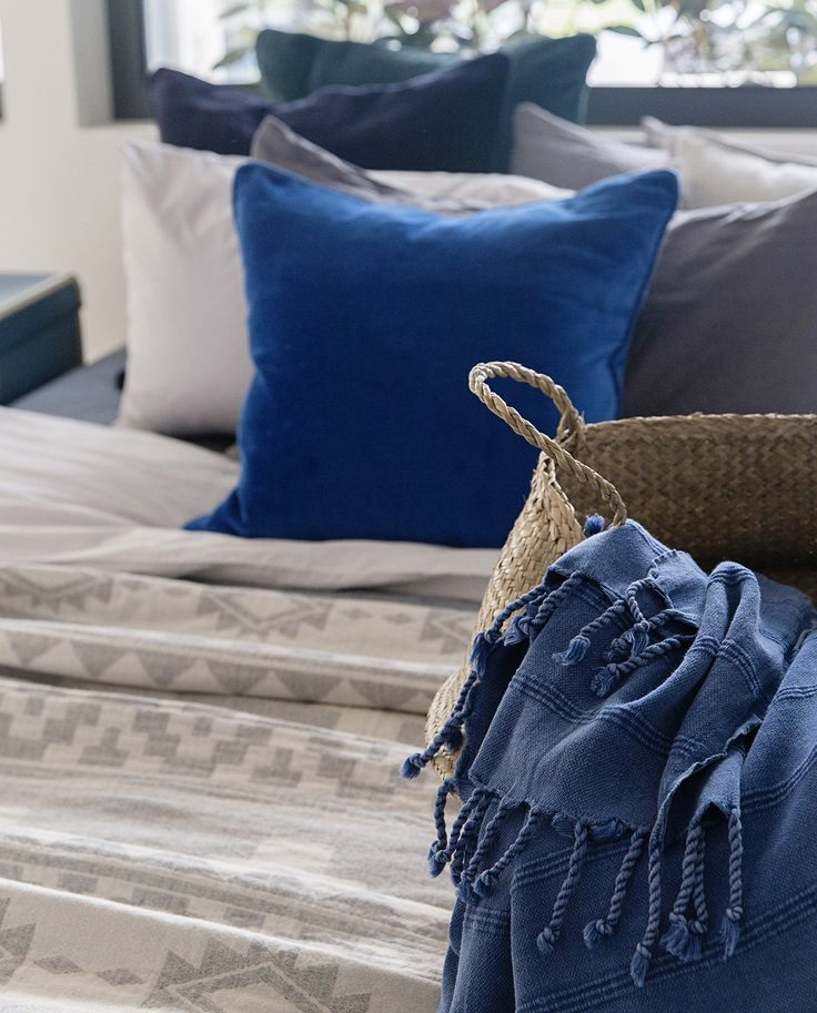 Up close with our Stonewash Throw in Cobalt Blue 💕