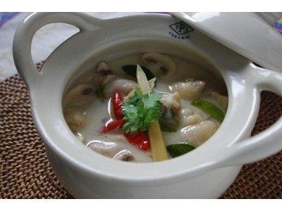 さわやかな酸味、鶏肉のココナッツミルクスープ Tom Kha Gai Recipe