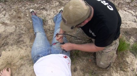 Fighting first aid: save a life while waiting for the pros to arrive.