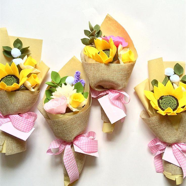 Small bouquet parade  #fleurifysmall . . #bungaflanel #bungaflanelpremium #bungaflaneljogja #bungahandmade #bungajogja #bouquetjogja #feltflower #felting #felt