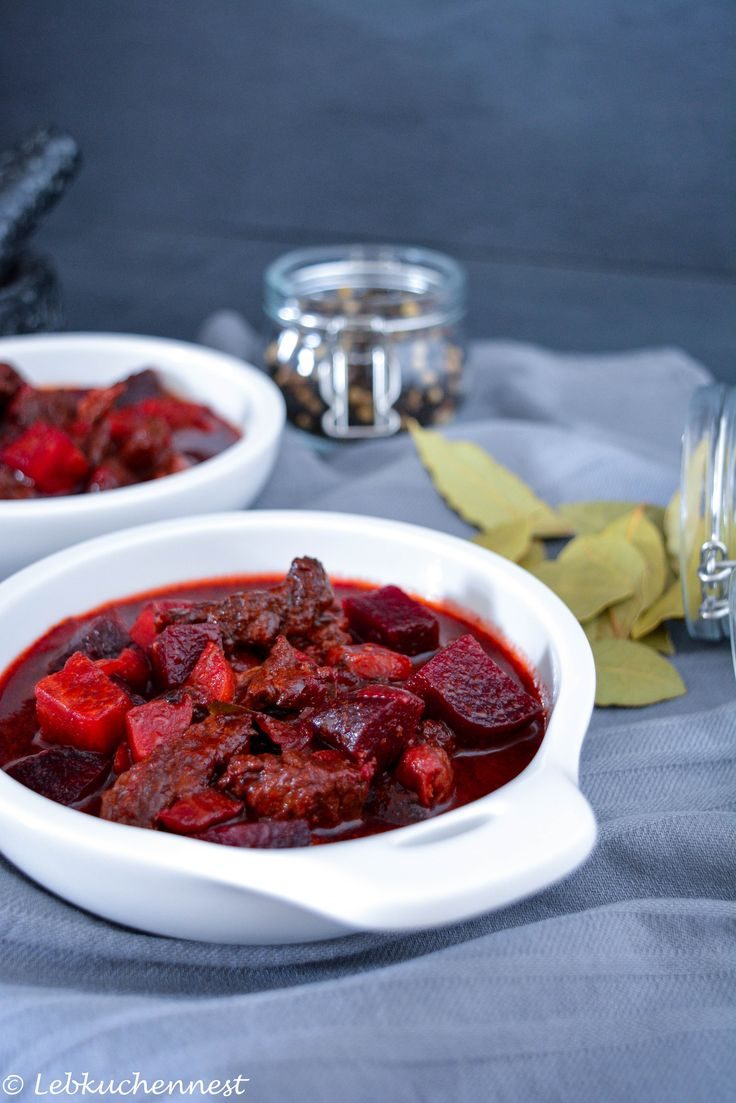 Low Carb Rote Beete Gulasch    http://www.lebkuchennest.de/holla-die-kochfee-lowcarbmonday-rote-beete-gulaschsuppe/