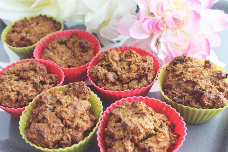 Gezonde worteltaart muffins, suiker en glutenvrij. Healthy carrot cake cupcakes using no sugar.  Via withoutelephants.com