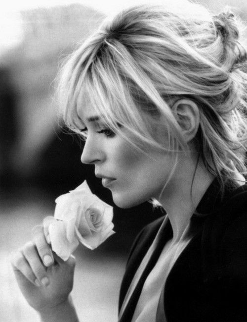 Kate Moss | UK Model | Vogue | fashion | editorial | rose | smell the roses | black white | profile | pensive | think | wonder | senses |