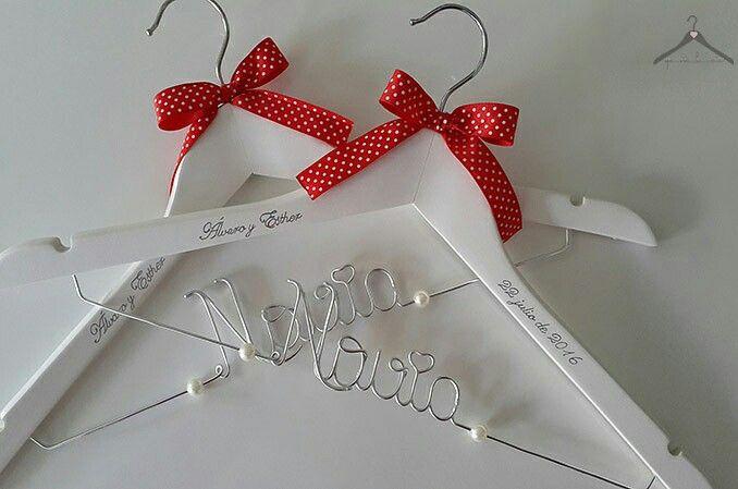 Perchas personalizadas novia