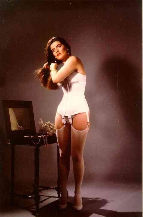 corset high heel wallpaper - photo #41