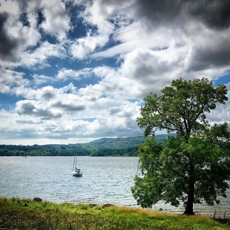 The weekend has landed and what a place to spend it. #windermere #ambleside #weekend