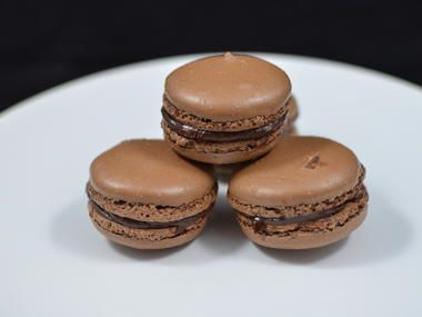 When a recipe does not work out, I usually give up. But not so with macaroons. I was very determined to make a perfect macaroon, just like the ones we have at the Le Panier bakery, Seattle Pikes Marke