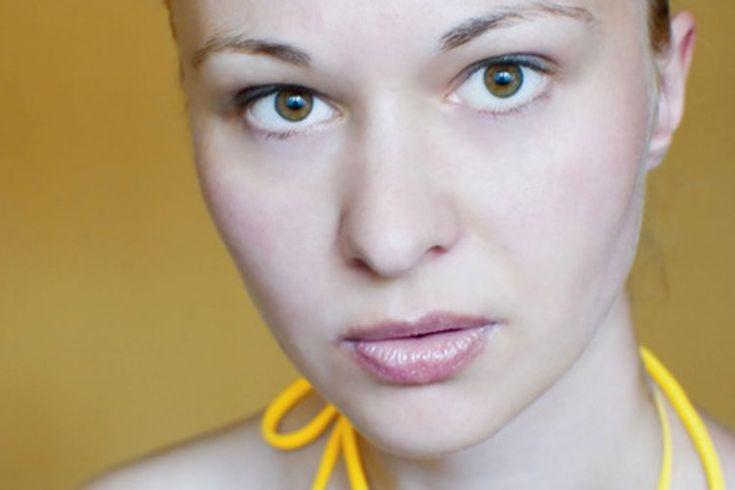 Cremas para depilar el vello del labio superior. El vello facial puede ser un motivo de vergüenza. Si tienes exceso de vello facial en el labio superior o simplemente un poco de pelusa, puedes estar preocupada por su visibilidad. Hay cremas depilatorias disponibles en las tiendas, que ofrecen una ...