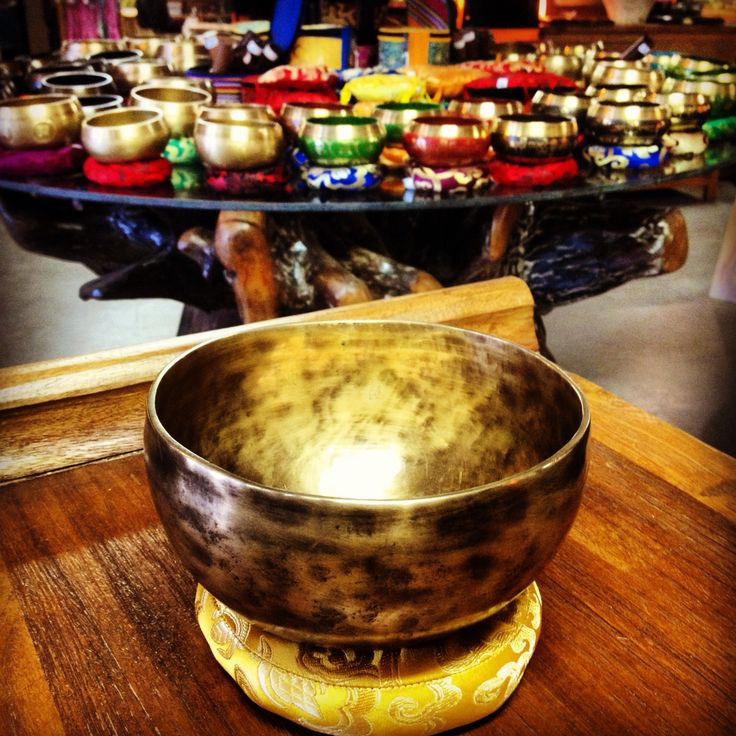 Beautiful Handmade Tibetan Singing Bowl #baliandbeyond #yyc #calgary #nepal #tibetan #handmade #gift #merrychristmas #happy #love #gold #music #meditation #healing