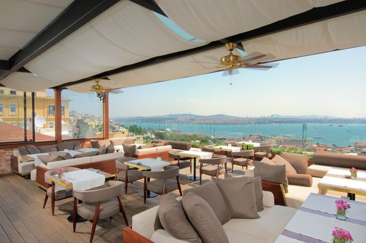 Le Fumoir / Georges hotel terrace in Galata area (Beyoglu)