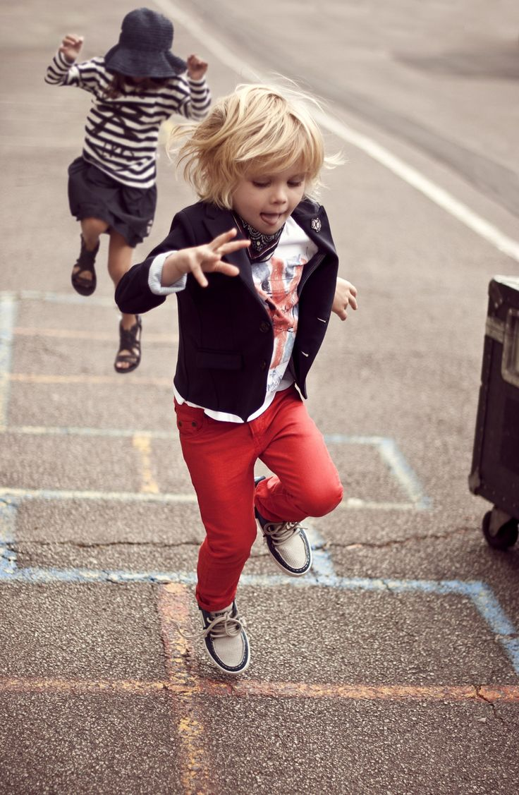 stylin kiddies: Fashion Kids, Little Girls Outfits, Kids Style, Red Skinny, Red Jeans, Graphics Tees, Kids Fashion, Hopscotch, Red Pants