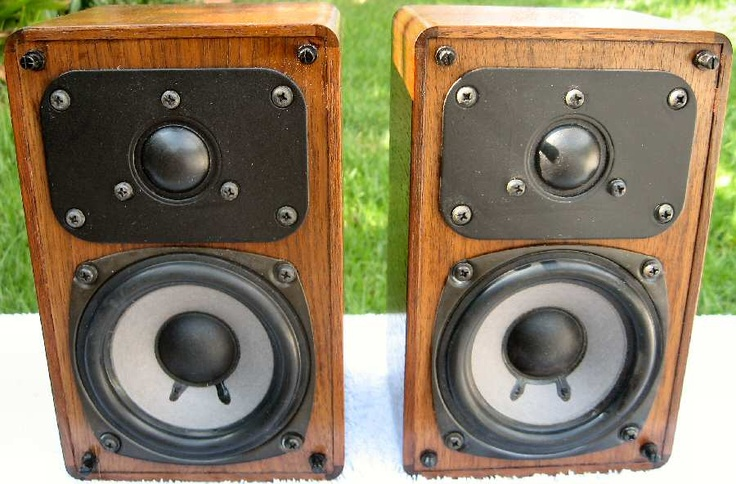 Realistic Minimus 7 speakers in walnut. Some of the best sounding small speakers ever made.