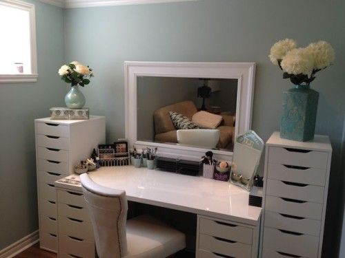 how to store your makeup...  small spaces approved...  ...ideas